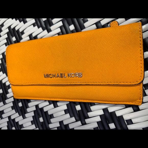 Michael Kors Handbags - Micheal Kors